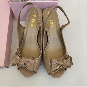 ME TOO Patent Leather Nude Bow Tie Heels Sz 8.5